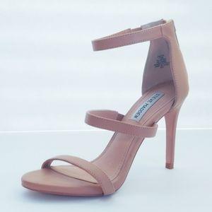 Steve Madden Tan/Nude Feelya Heels. Size 7.5